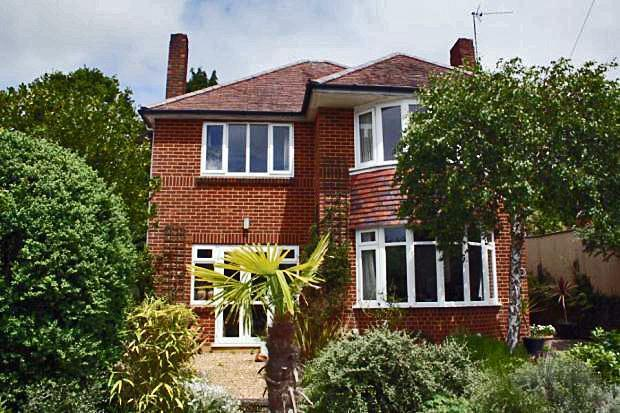 3 Bedroom Detached House For Sale In Brackendale Road Queens Park Bournemouth Dorset Bh8