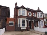 1 bedroom Flat in 104 Oakfield Road...