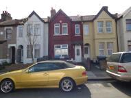 Terraced home in Lyndhurst Road, London...