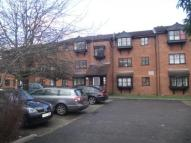 1 bed Flat in Warwick Gardens, London...