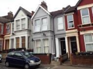 Flat in Wightman Road, London, N4