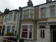 5 bed Terraced property for sale in Grove Green Road, London