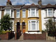 Terraced home in Church Road, London