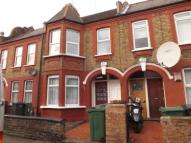 2 bed property in Clementina Road, London
