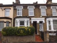 4 bedroom house in Dunedin Road, London