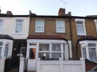 Flat in Pearcroft Road, London