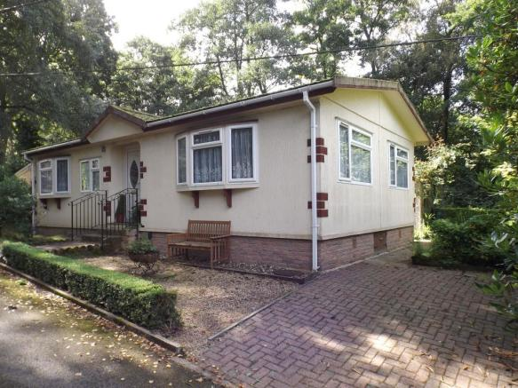 2 Bedroom Mobile Home For Sale In Turtle Dove Avenue Turners Hill