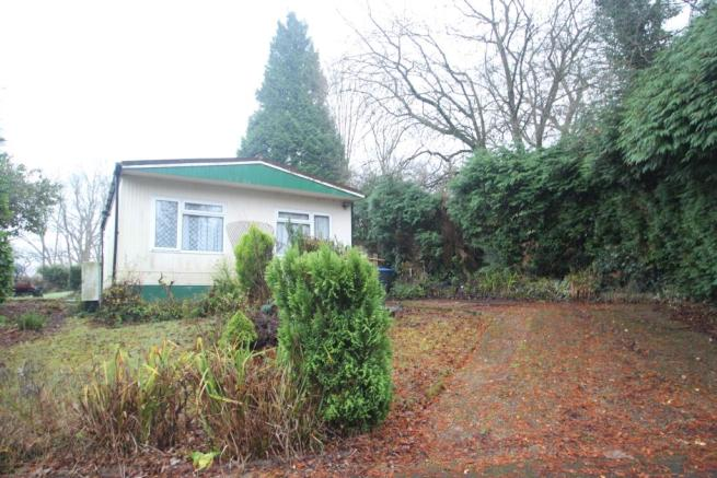 2 Bedroom Mobile Home For Sale In Wren Street Turners Hill Park