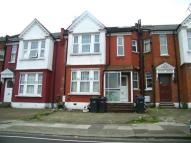 2 bedroom Flat in Spencer Avenue, London...