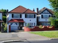 4 bedroom Detached house in Chase Side, London, N14