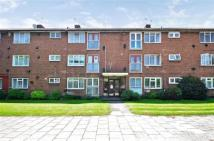 Flat in Roding Lodge...