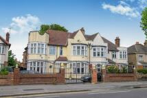 5 bed semi detached property in Aldersbrook Road...
