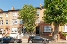 Flat in Victoria Road, London, ...