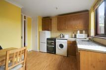 3 bed house in Barlow Road, London...