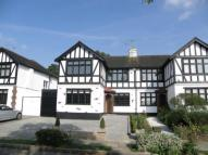 4 bed semi detached house in Friars Walk, Southgate