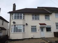 Maisonette in Claybury Road, Woodford...