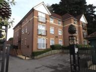 2 bedroom Flat in Woodlands Court...