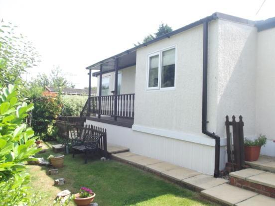 2 Bedroom Mobile Home For Sale In Hillview Manor Park Winchester