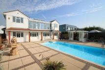 4 bedroom Detached property in Beach Road...