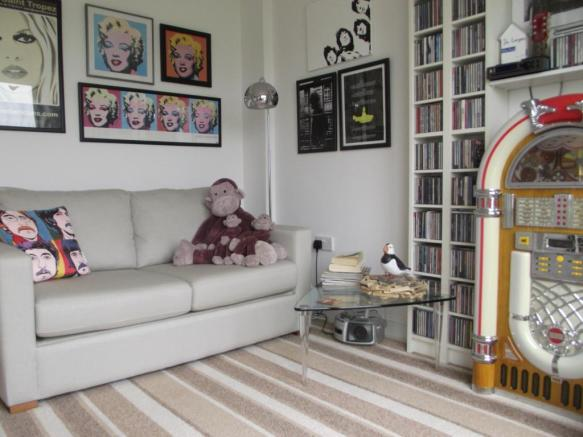 Bedroom 3 / Sitting