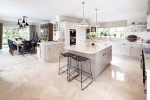 5 bedroom new house in Stretton Green...