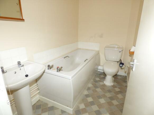 Bathroom Flat 1