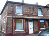 2 bedroom Terraced property in Oldham Street...