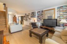 3 bed Terraced property for sale in Battersea Church Road...