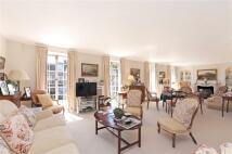 6 bedroom semi detached home in Abbotsbury Close, London...