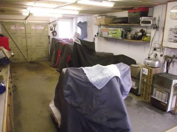 Integral Garage & Wo