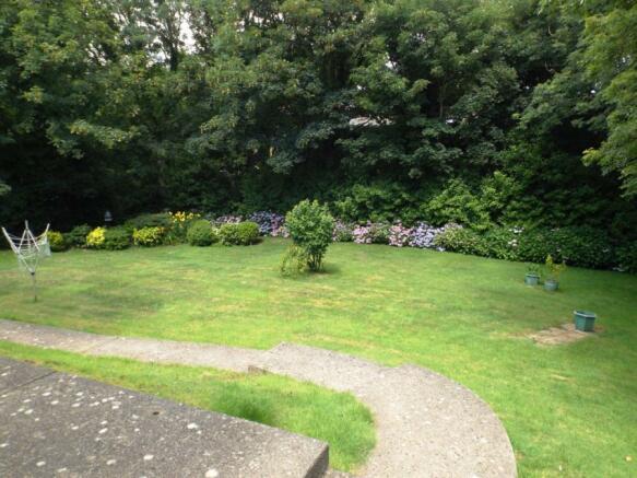 Communla Gardens