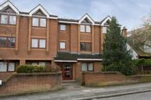 Flat for sale in Meers Court...