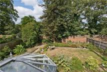 4 bedroom Detached house in Kingston Upon Thames...