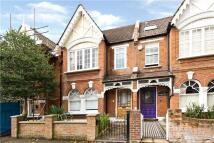 3 bedroom Terraced property in Richmond Avenue, London...