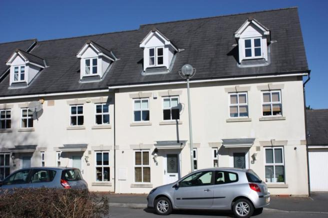 3 bedroom terraced house for sale in temeraire road 3 bedroom houses for sale in plymouth
