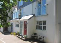 2 bed Flat in Parkhouse, Bohella Road...