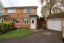 2 bed semi detached house in Beckgrove Close...