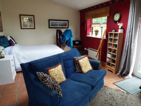 Annex 2 Bedroom