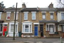 2 bedroom Terraced house in Maiden Road, London