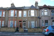 Flat in Caistor Park Road, London