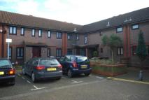 2 bed Terraced property in Pine Avenue, Stratford...