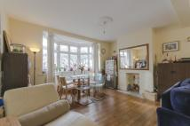 4 bed semi detached house in Tilehurst Road...