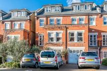 5 bed semi detached house in Walsingham Place, London...