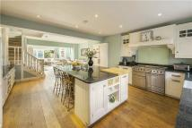 5 bed Terraced home in Kempson Road...