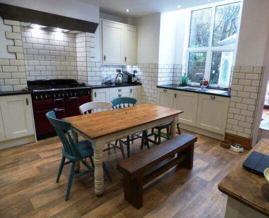 Kitchen Diner Image