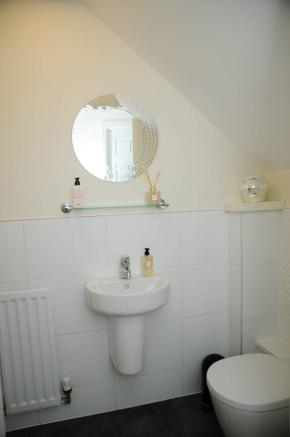 downstairs wc 3 bedroom town house for sale in crofton square renfrew
