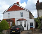 3 bed semi detached house to rent in Sunnybank, Warlingham