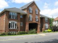 Apartment to rent in Caterham, Surrey