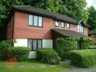 Studio flat in Coulsdon, Surrey