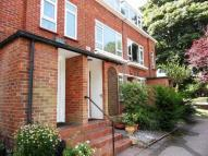 2 bed Apartment in Park Road, Banstead